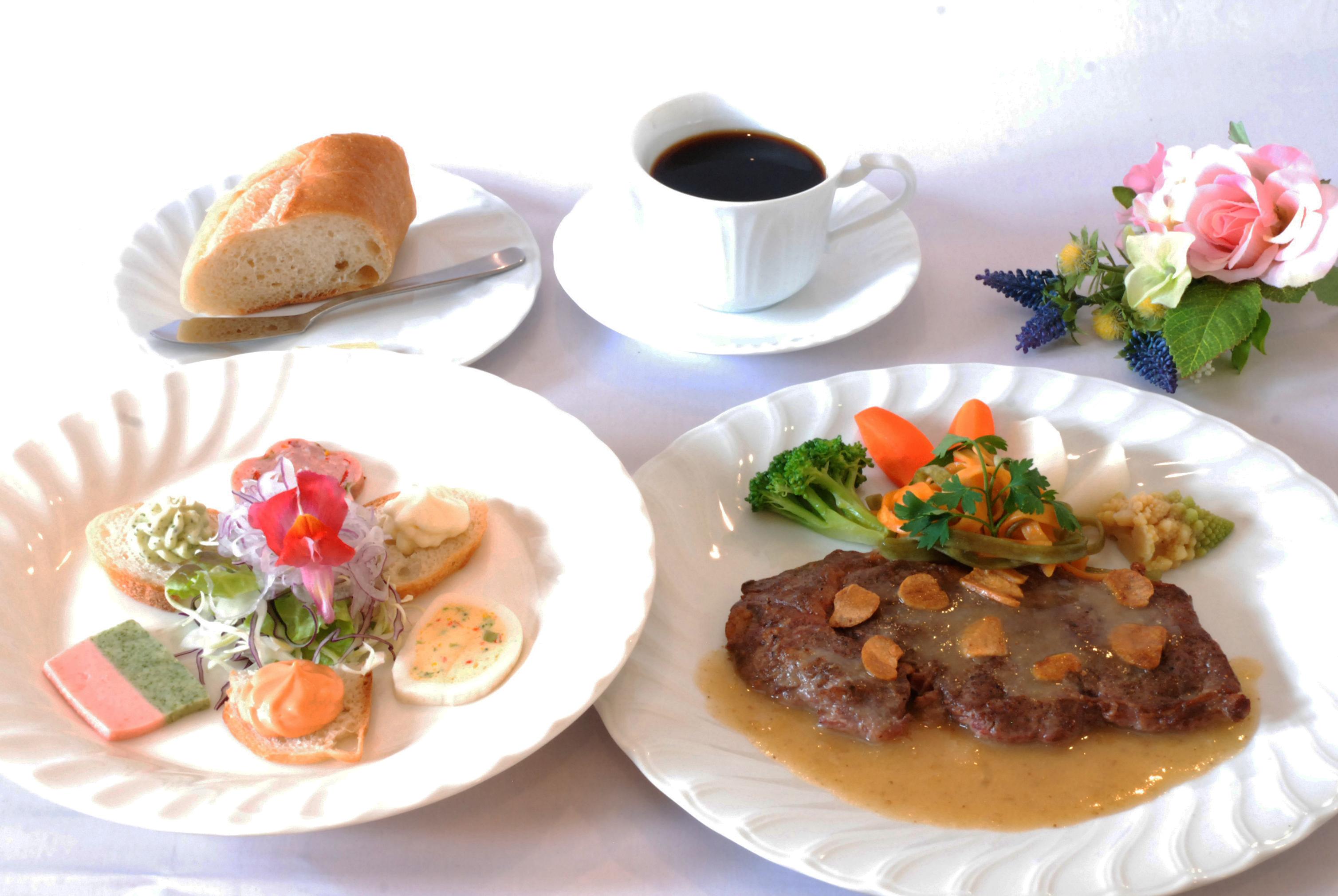 ステーキ&前菜ランチ